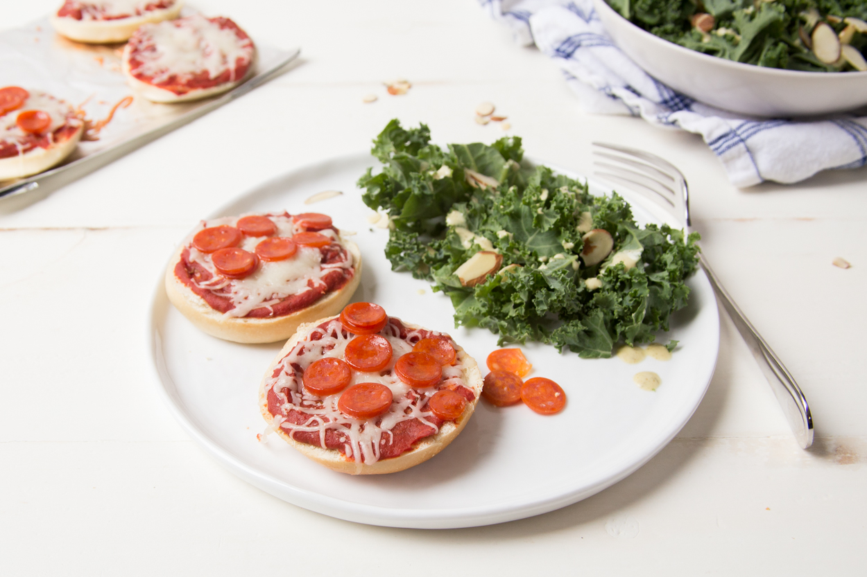 mini bagel pizzas cook smarts. Black Bedroom Furniture Sets. Home Design Ideas